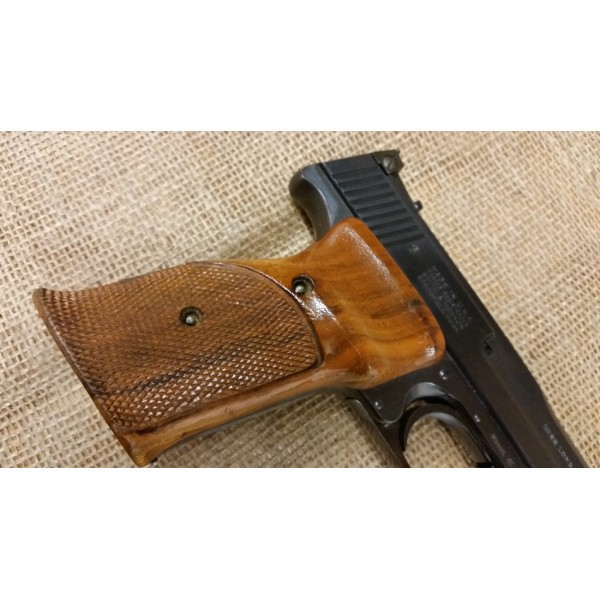 Smith and Wesson Model 41 Target Pistol 22lr 7.5 inch A Model