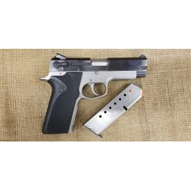 Smith and Wesson 4567-NS