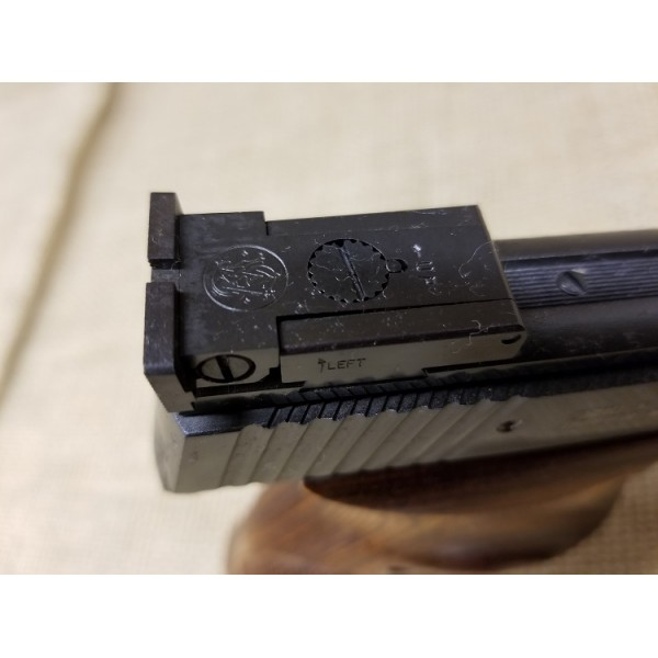 Smith and Wesson Model 41 Target Pistol 7.5 inch barrel later issue