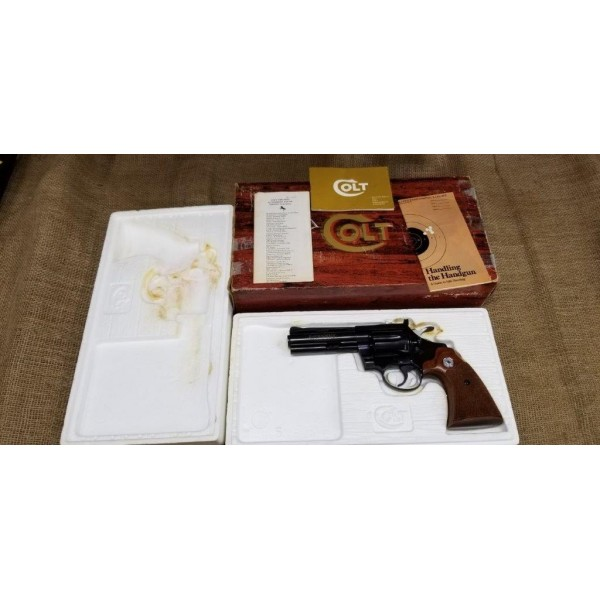 "Colt Diamondback 22lr 4"" barrel w\ Box"