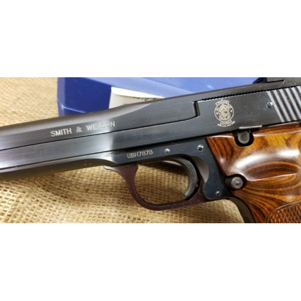 Smith and Wesson Model 41 Target Pistol 7.5 inch barrel