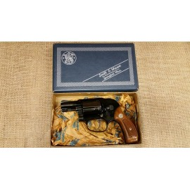 Smith and Wesson Model 38 no dash with box