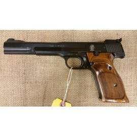 Smith and Wesson Model 41 Target Pistol 22lr 7.5 inch